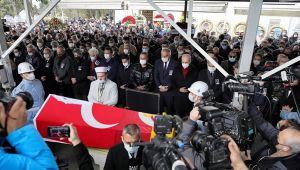 Usta oyuncu Rasim Öztekin son yolculuğuna uğurlandı