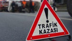 İzmir'in Torbalı ilçesinde otomobilin refüje çarpması sonucu bir kişi öldü, bir kişi yaralandı.