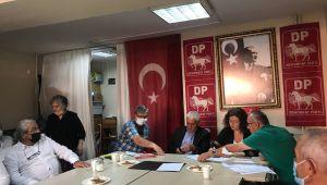 Demokrat Parti Konak İlçe Başkanlığı Kongresinde Hüsnü Eyi Güven tazeledi.
