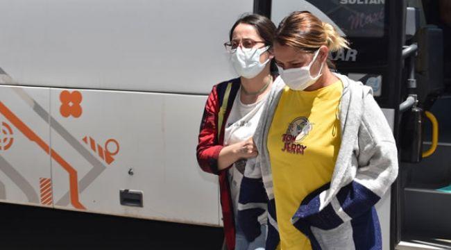 """İzmir dahil 4 ilde """"kazanma garantili kupon"""" vaadiyle dolandırıcılık operasyonu: 17 gözaltı"""