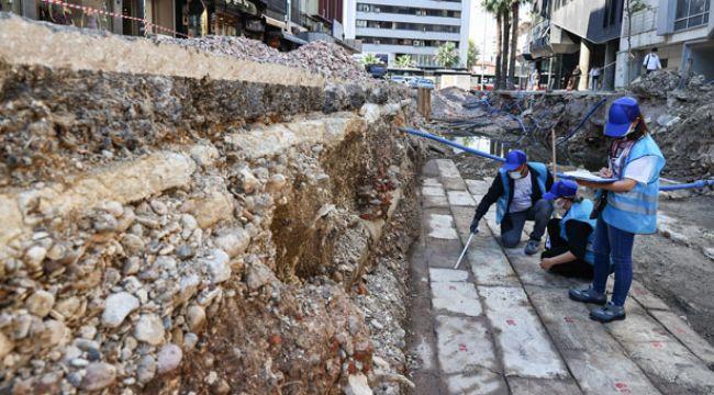 İzmir'de altyapı çalışmaları sırasında Osmanlı dönemine ait Çakı Bedesteni bulundu