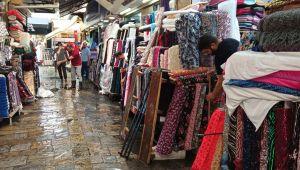 İzmir'de sağanak yağış Tarihi Kemeraltı Çarşısı'nı göle çevirdi