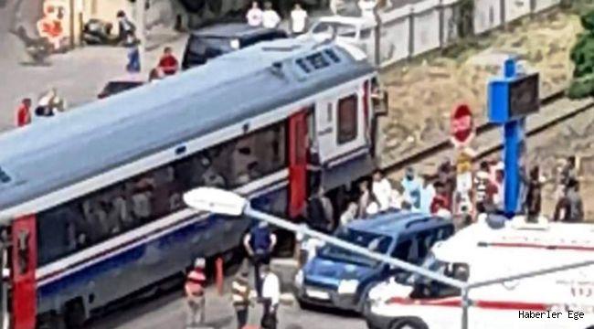 İzmir-Denizli seferini yapan tren hemzemin geçitte kaza yaptı