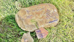 'Tecavüz ediliyorum' diye taşa not bırakan çocuk bulundu
