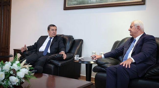 Esnaftan Başkan Batur'a destek teşekkürü