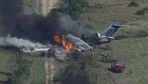21 kişiyi taşıyan uçak düştü: Tüm yolcu ve mürettebat sağ kurtuldu