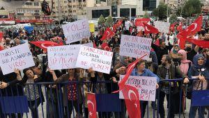 İzmir'de sonunda bu da oldu… Aşı karşıtları Büyük Uyanış mitingi düzenledi